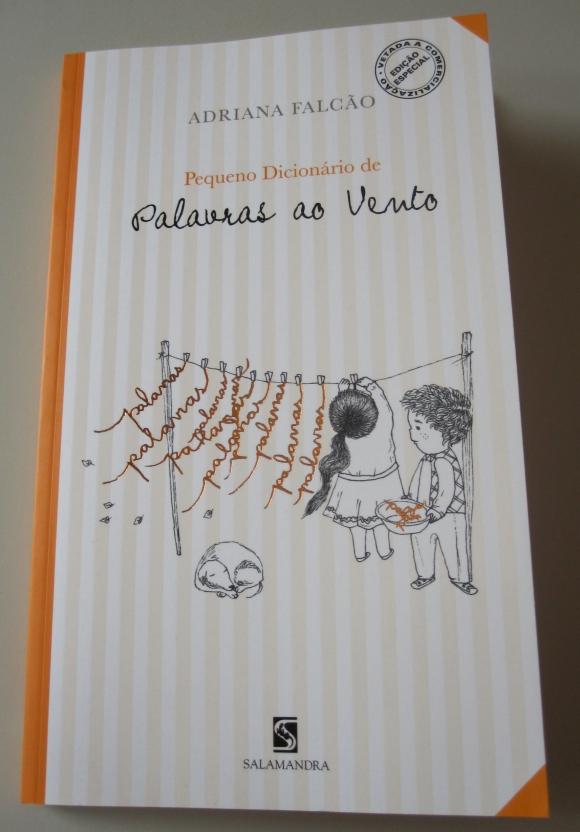 Pequeno Dicionário de Palavras ao Vento - Adriana Falcão - Editora Salamandra